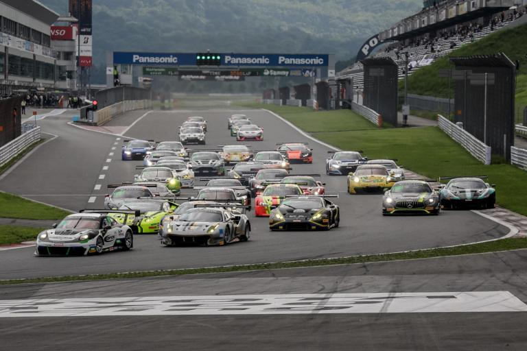 Blancpain GT Series Asia: Porsche nabs multiple podiums in valiant fight at Fuji International Speedway